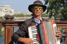 Parisian Accordian player